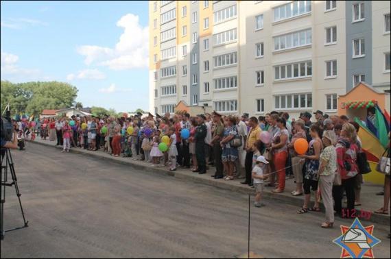 Новоселье в домах по улице Набережной. 17 июля 2014 г. Фото МЧС